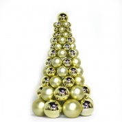 China Inexpensive Hot Selling Plastic Xmas Ball Tree fábrica