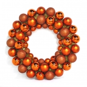 China Inexpensive Hot Selling Plastic Christmas Ball Wreath fábrica