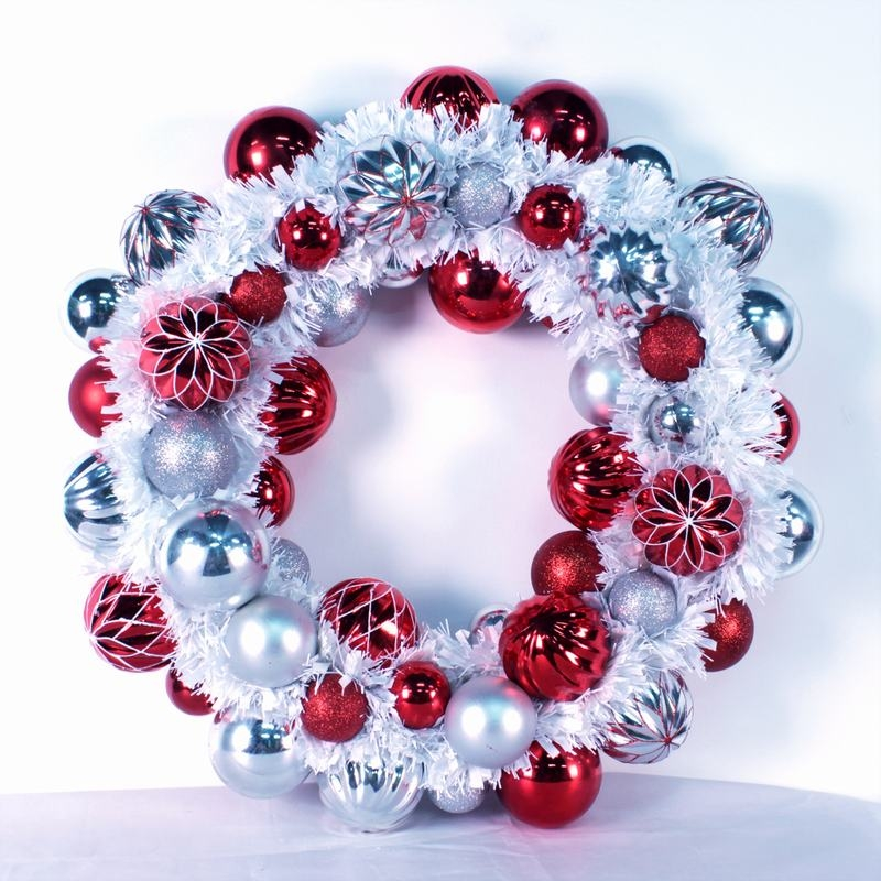 Artificial Plastic Ball Decorative Wreath Indoor Xmas Tinsel Wreath